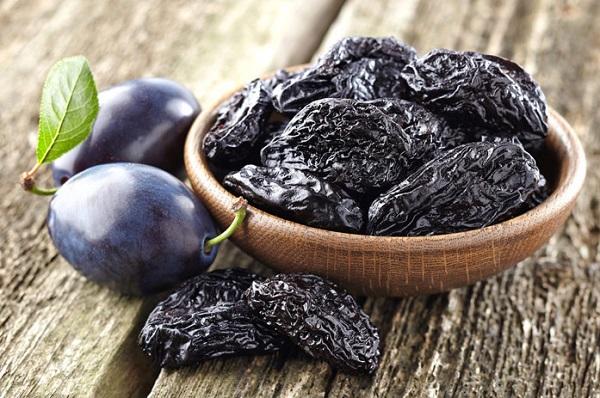 Вред и польза чернослива
