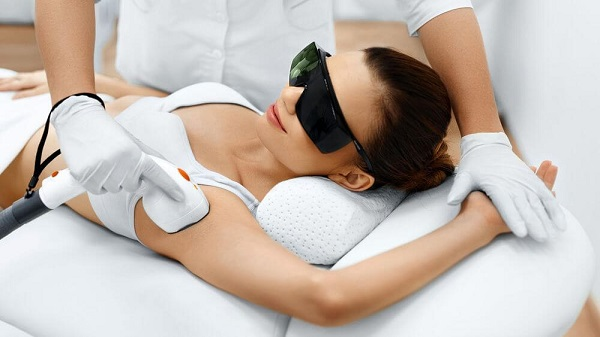 При потливости подмышек лазерная терапия