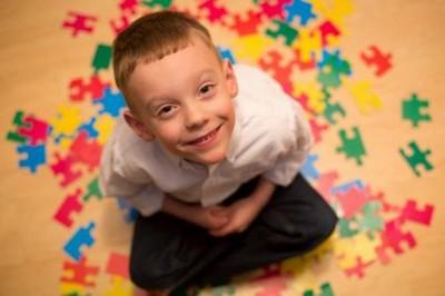 Аутизм - что это за болезнь, ее симптомы и причины развития заболевания у детей и взрослых