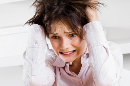 Психоз – что это такое, виды, причины, симптомы массового и параноидального психоза