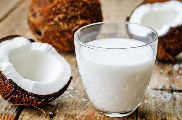 Кофе с кокосовым молоком — польза и вред