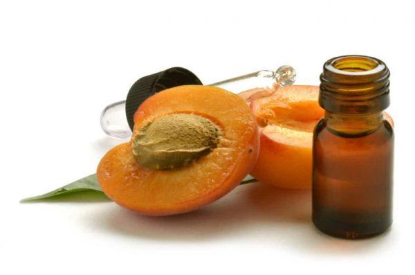 Абрикосовое масло —  хранитель красоты