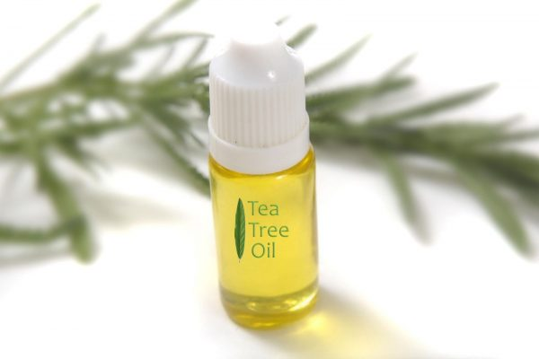 Эфирные масла — эффективное средство против прыщей и следов от них