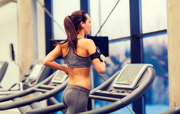 Как правильно бегать на беговой дорожке, чтобы похудеть: выбор программы и нагрузок