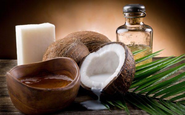 Кокосовое масло для красоты ресниц и бровей
