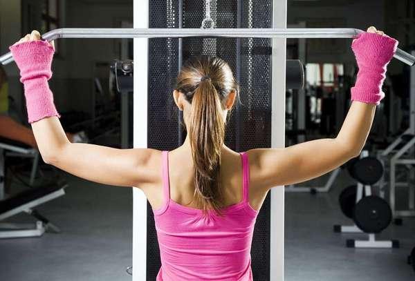 Комплексы упражнений для похудения спины в домашних условиях и тренажёрном зале