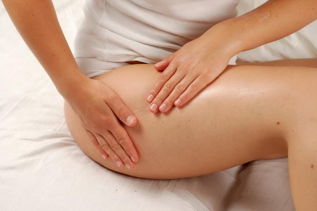 Медовый антицеллюлитный массаж: как правильно делать и предполагаемый эффект