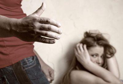 Моральное насилие женщины в семье – как избавиться?