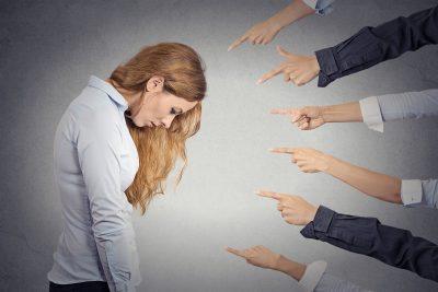 Низкая самооценка – что такое и как бороться?