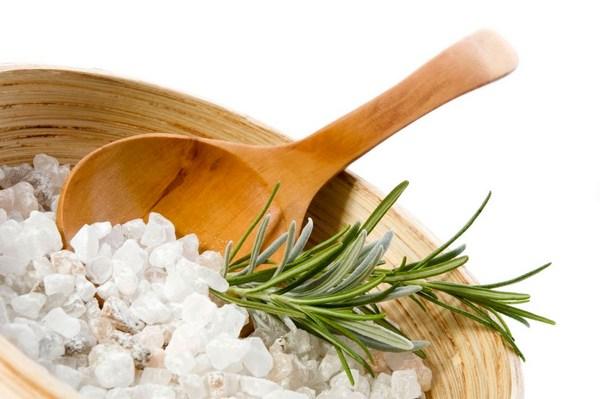 Обёртывание с солью для похудения: особенности проведения в домашних условиях и салоне