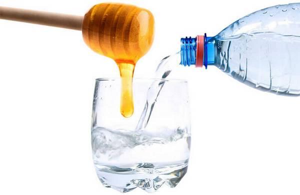 Уникальность медовой воды как способа похудения, её полезные свойства и особенности применения
