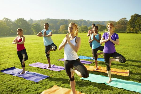 Йога для похудения: несколько базовых асан для эффективного снижения веса