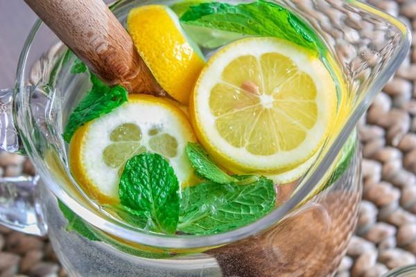 Что такое диета на воде Сасси и как она способствует похудению: правильный рецепт напитка