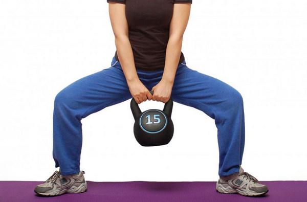 Как можно использовать приседания плие для похудения и прокачки ягодиц: советы от опытных тренеров