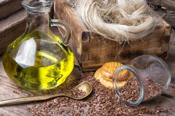 Как оздоровить волосы и кожу головы при помощи льняного масла
