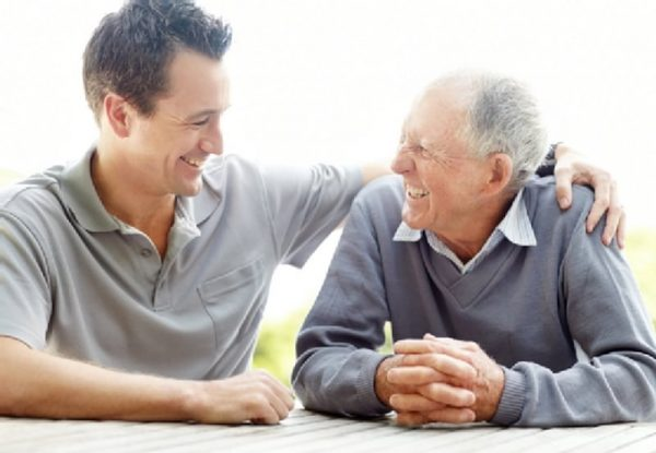 Почему человек стареет: причины и признаки