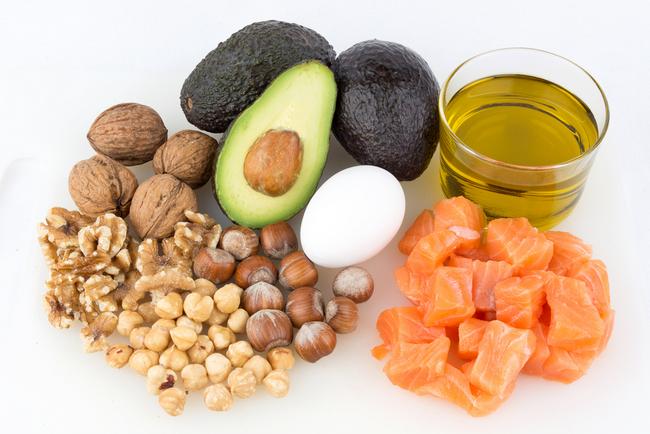 Полезные жиры для похудения: в каких продуктах содержатся и сколько грамм нужно в день?
