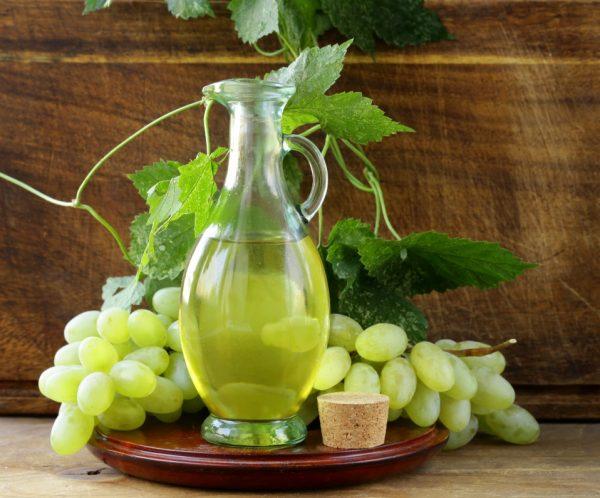 Уход за лицом с помощью масла виноградной косточки