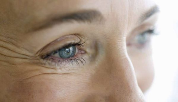 Выбираем эффективный крем от морщин вокруг глаз