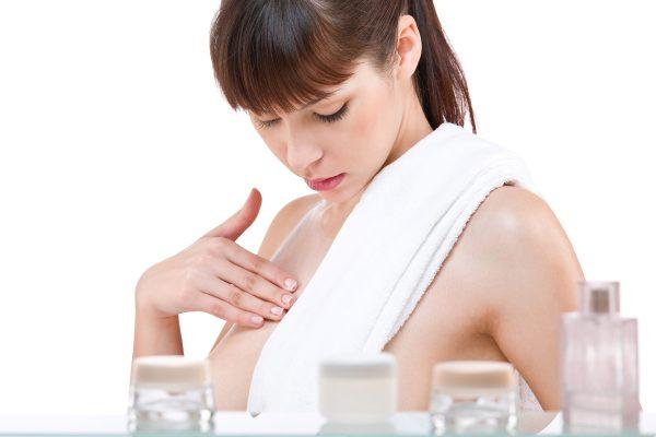 8 способов ухода за телом с помощью льняного масла