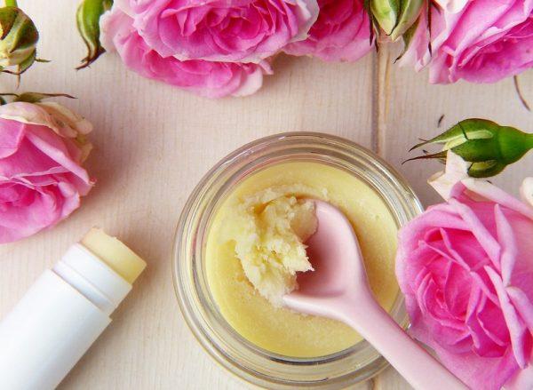 Секреты масла календулы для красоты и здоровья: состав, полезные свойства и способы применения
